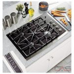 GE JGP940SEKSS Cooktop, Gas Cooktop, 30 inch, 4 Burners, Glass Ceramic, Stainless Steel colour